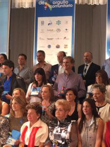 Luis Perelman, Presidente Honorario y Co-Fundador de Guimel recibiendo el reconocimiento.